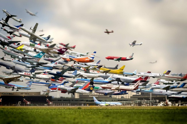 composite-airplanes-taking-off