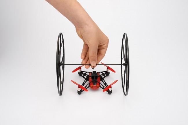 mini-drone-Rolling Spider-04
