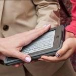 Đại sứ Mỹ đầu tiên đặt tay thề trên một thiết bị số