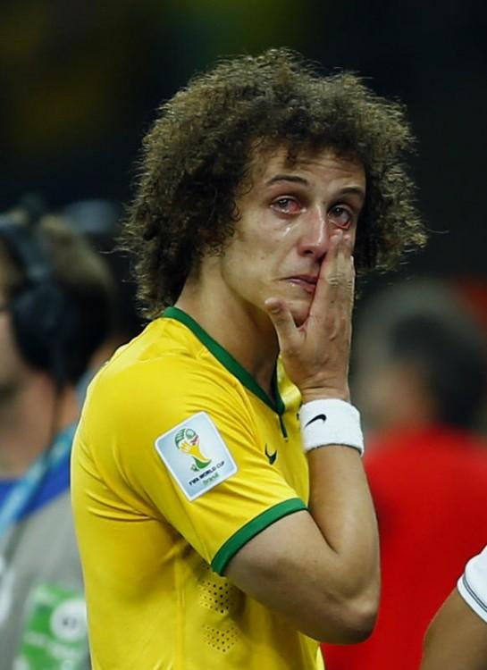 140709-world-cup-brazil-lost-07-david-luiz