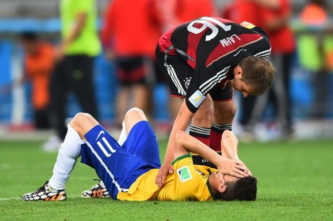 140709-world-cup-brazil-lost-19-oscar