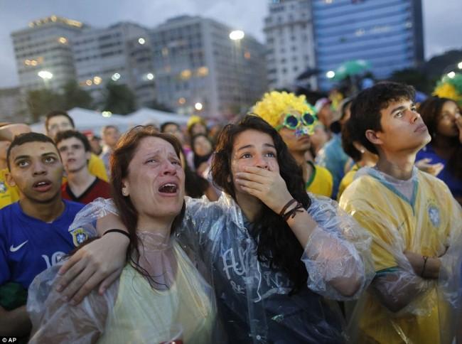 140709-world-cup-brazil-lost-39