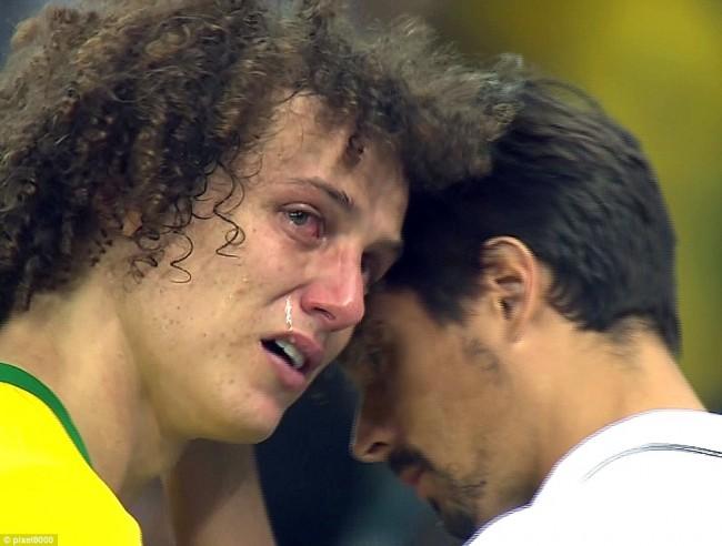 140709-world-cup-brazil-lost-40