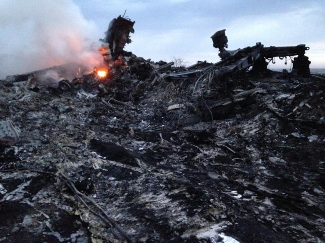 140717-flight-mh17-shut-down-ukraine-02