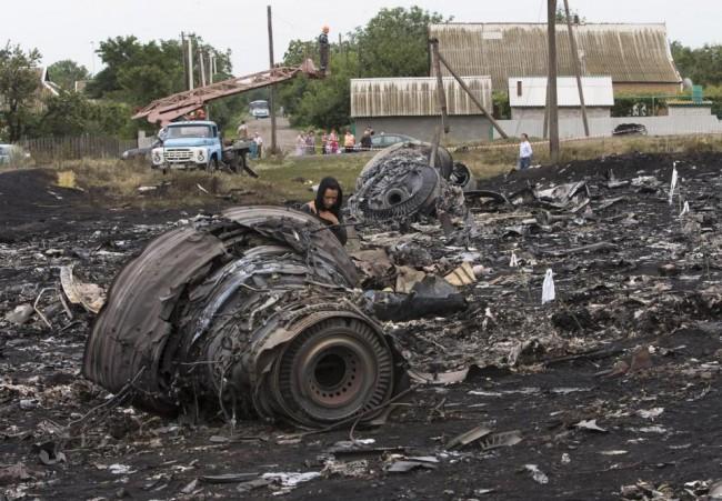 140718-flight-mh17-shut-down-ukraine-01