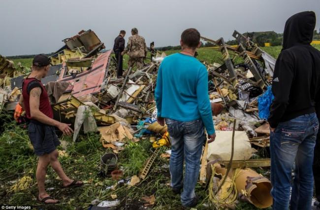 140718-flight-mh17-shut-down-ukraine-04