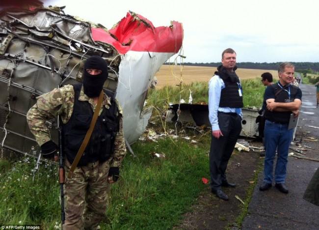 140718-flight-mh17-shut-down-ukraine-11