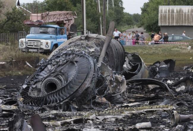 140718-flight-mh17-shut-down-ukraine-16