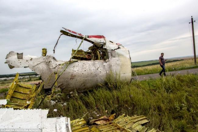 140718-flight-mh17-shut-down-ukraine-19