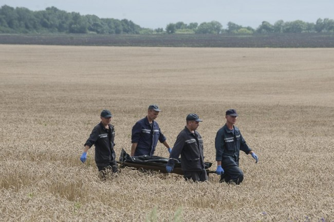 140719-ukraine-mh17-shot-down-03