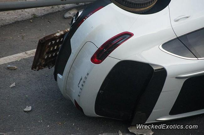 140720-truck-crash-in xiamon-china-02