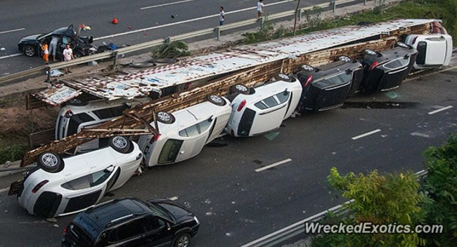 140720-truck-crash-in xiamon-china-03