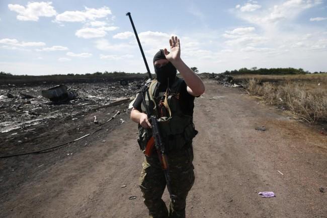 140721-ukraine-mh17-shot-down-08