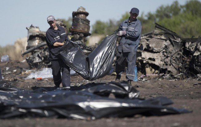 140721-ukraine-mh17-shot-down-09