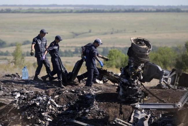 140721-ukraine-mh17-shot-down-10