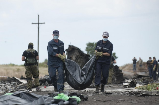 140721-ukraine-mh17-shot-down-12