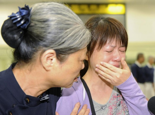 140724-taiwan-plane-crash-10