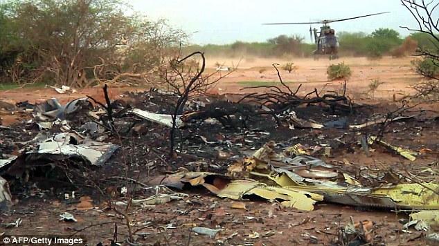 140725-ah5017-algeria-crashed-03