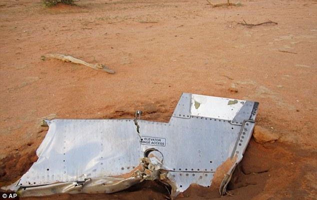 140725-ah5017-algeria-crashed-05