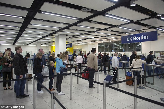 140730-ebola-uk-airport-gatwick