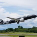 Chiếc máy bay Boeing 787-9 đầu tiên đã về với chủ nhân