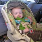 Phụ kiện nhắc cha mẹ không bỏ quên con trong xe
