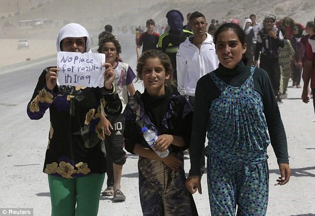 1408-iraq-yazidi-refugees-01