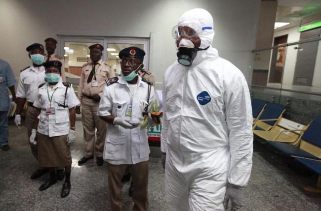 140804-ebola-virus-nigeria-01