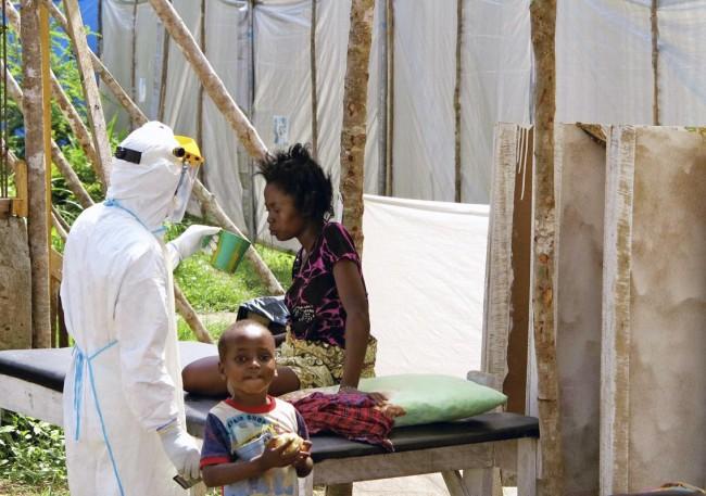 140806-ebola-virus-sierra-leone-01
