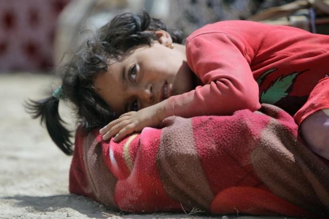 140810-iraq-yazidi-refugees-02