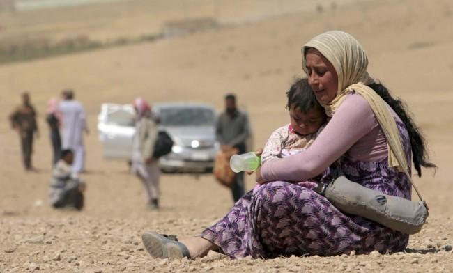 140810-iraq-yazidi-refugees-05