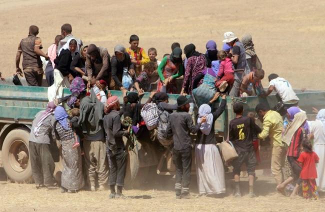 140810-iraq-yazidi-refugees-06