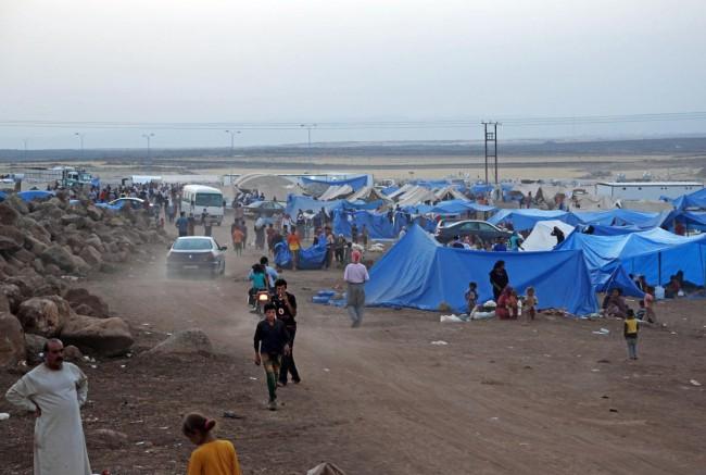 140810-iraq-yazidi-refugees-11