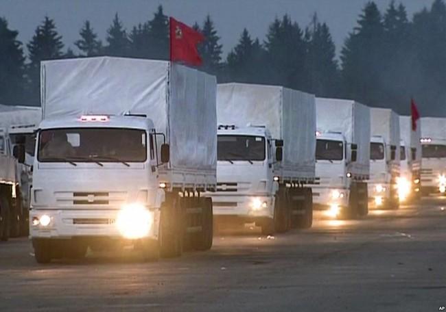 140812-russia-aid-trucks-prepare-ukraine-02