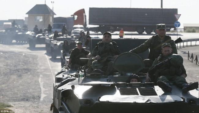140815-russia-aid-trucks-prepare-ukraine-08
