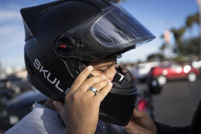 Skully AR-1-helmet-01