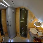 Tắm trên máy bay