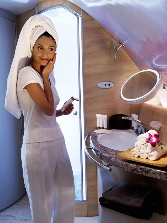 bathroom-airbus-380-2