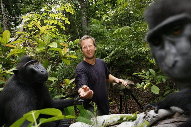 selfie-cheeky macaque-2011-03