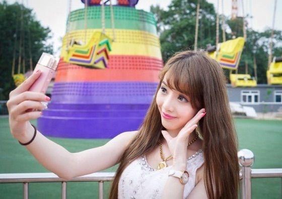 sony-selfie-camera-02