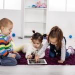 Cẩn trọng khi cho trẻ em dùng máy tính bảng