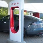 Telsa sẽ phủ các trạm sạc xe điện khắp nước Mỹ vào cuối năm 2015