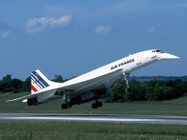 Concorde_supersonic_jet