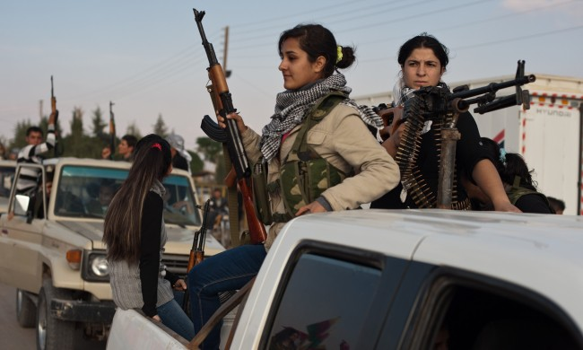 Female Kurdish fighters-syria-04