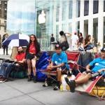 Người Mỹ xếp hàng chờ mua iPhone 6 từ 16 ngày trước khi sản phẩm ra cửa hàng