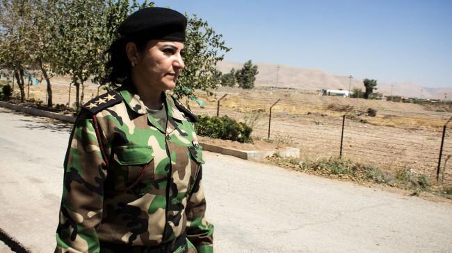 isis-Peshmerga-Women-04