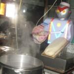 Robot làm đầu bếp nhà hàng