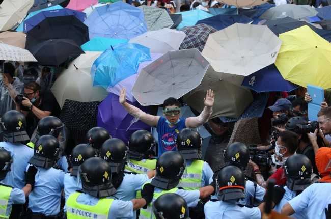 140929-hong kong umbrella protest-01