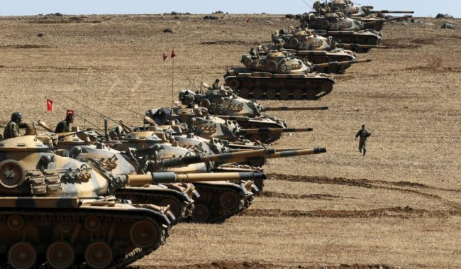 141006-turky-forces-suruc-town-2