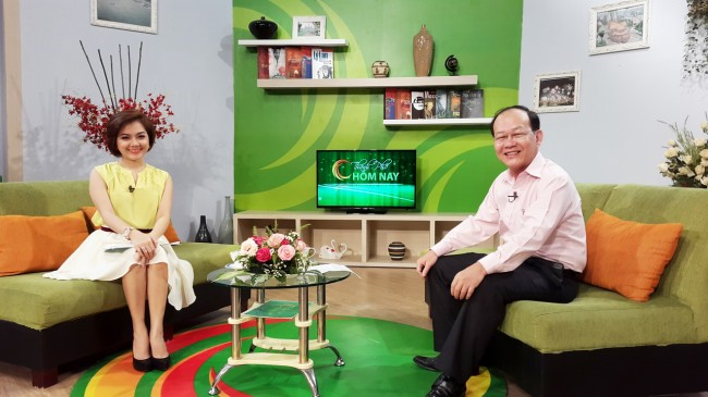 141009-phphuoc-htv9-talk-show-mobile-os-03_resize
